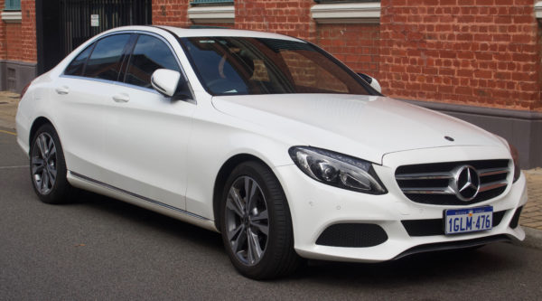 2017_Mercedes-Benz_C_200_(W_205)_sedan_(2018-08-31)_01